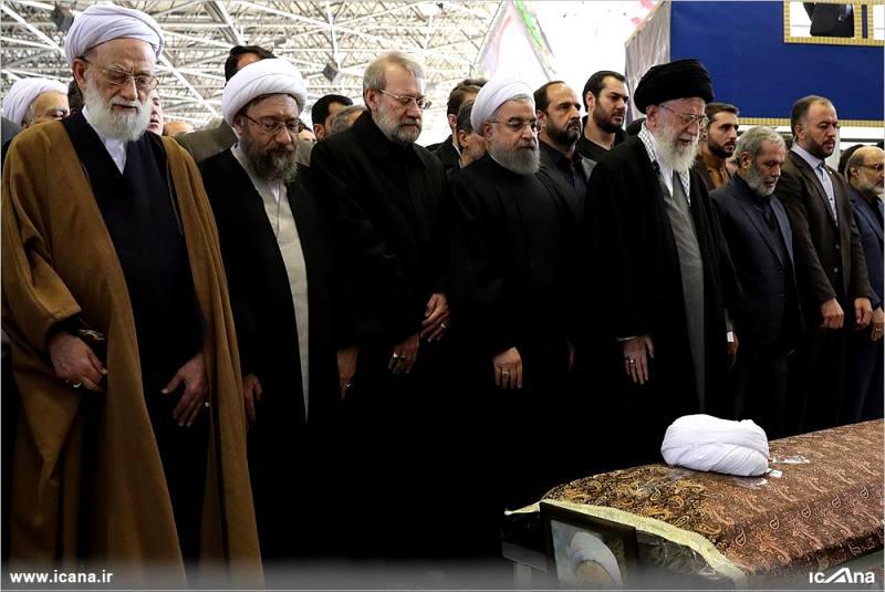 گزارش تصویری/ حضور دکتر لاریجانی در مراسم خاکسپاری حضرت آیت الله هاشمی رفسنجانی