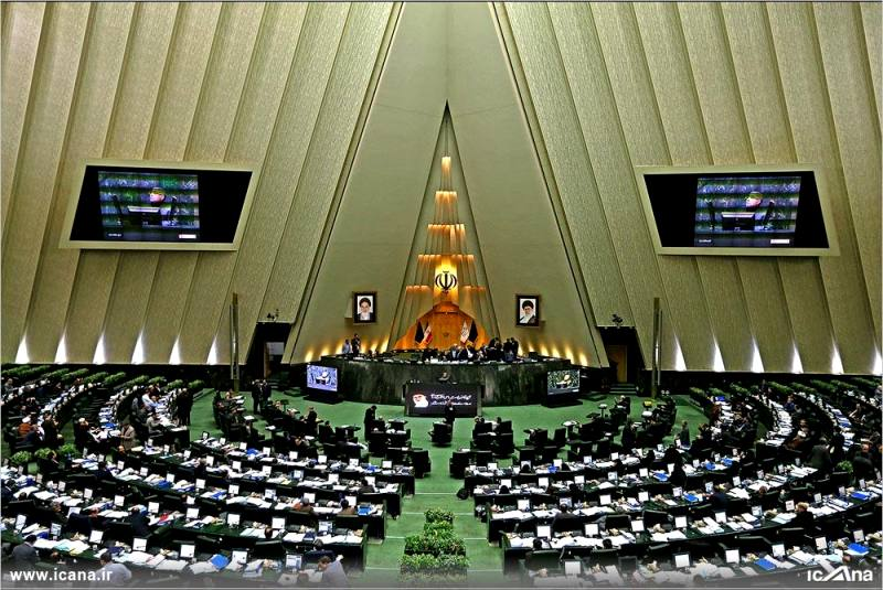 گزارش تصویری/ چهل و دومین جلسه بررسی جزئیات لایحه برنامه ششم در صحن علنی مجلس
