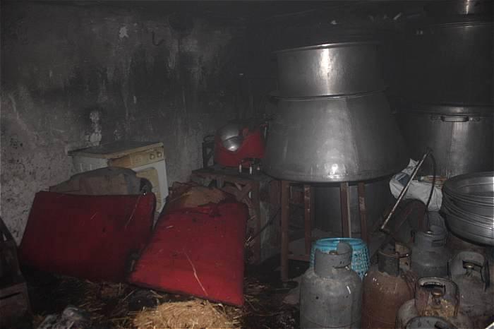 حریق گسترده در انباری/جلوگیری از انتشار کپسول های گاز